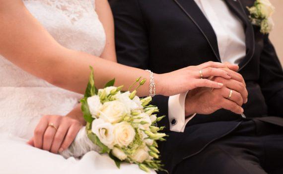 come comportarsi a un matrimonio, partecipare a un matrimonio, cosa non fare a un matrimonio